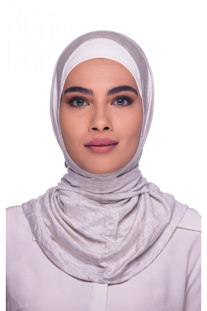White Amira Hijab made from Cotton has a clips to close