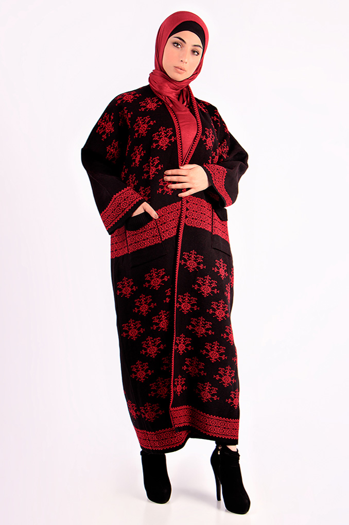 Wool winter Fallahi patterned Abaya